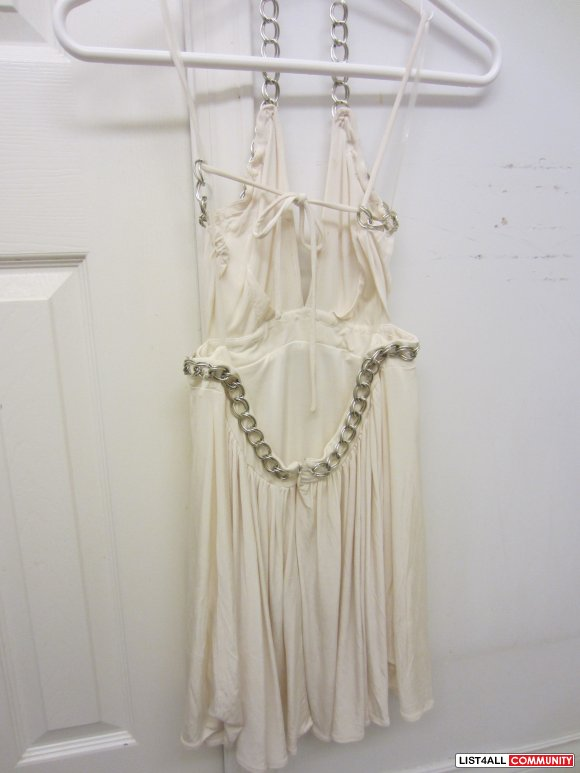 FOREVER 21 - WHITE FLOW DRESS WITH CHAIN STRAPS -SMALL :: material-girls :: List4All