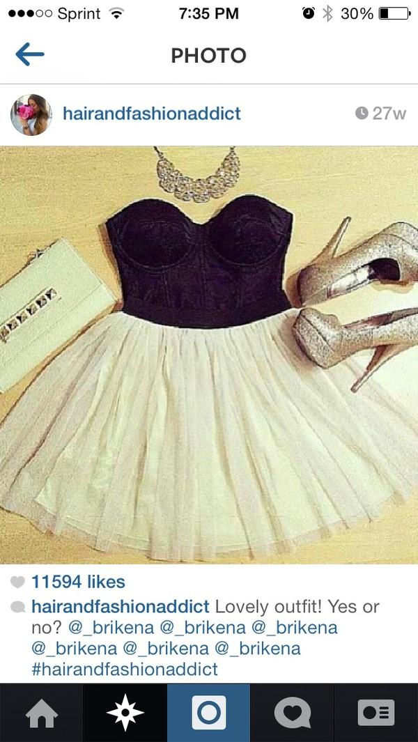 skirt off white skirt tulle skirt black bustier shirt