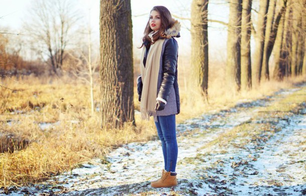 a piece of anna blogger scarf winter outfits