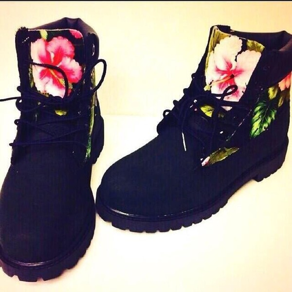 tropical timberlands print floral shoes dope shoes timberlands flower power love more want shoes black timberland boots timberlands boots black boots flowers fashion shopdopefein boots floaralprint black with flowers black shoes flourescent timberland boots shoes black floral