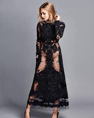 dress black dress maxi dress editorial gown amanda seyfried pumps lace dress lace shoes slingbacks pointed toe pumps pointed toe high heels heels