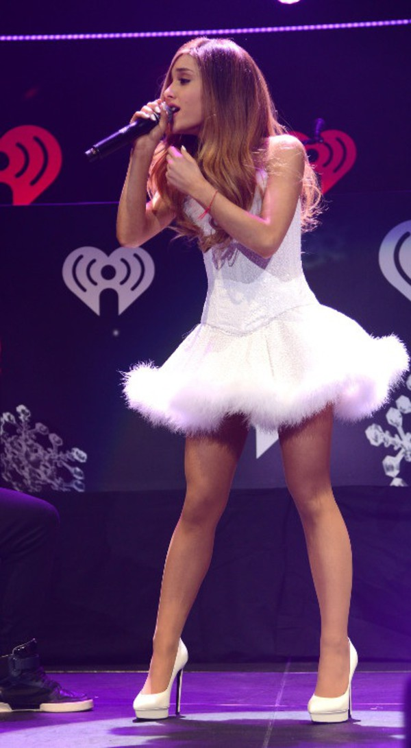 shoes ariana grande high heels white dress white high heels singer stars celebrity style