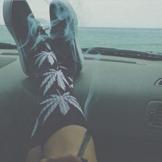 socks weed socks white black