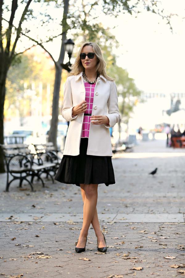 the classy cubicle t-shirt skirt coat belt shoes jewels sunglasses
