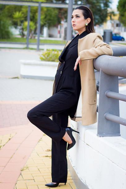 shoes and basics blogger jumpsuit camel coat coat bag shoes