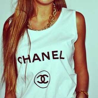 t-shirt white tank top chanel girly collier shirt yolo hipster mainstream wanted chanel t-shirt swag muscle tee white tank top top logo girl blonde hair sweater black quote on it fashion chain necklace gold jewels blouse clothes long hair no sleeved no sleeves white t-shirt white top chanel brand gold necklace style black and white pretty tumblr make-up