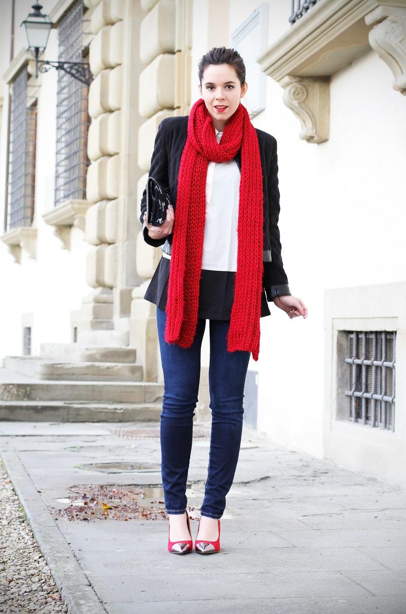 Una sciarpa rossa per una settimana tra aerei e treni - Irene's Closet - Fashion blogger outfit e streetstyle