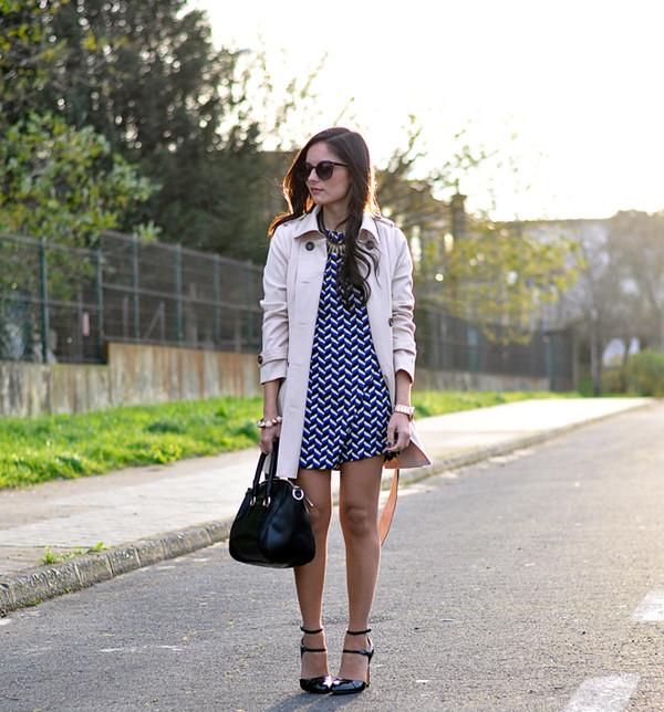 petit and sweet couture coat bag dress shoes t-shirt jewels sunglasses