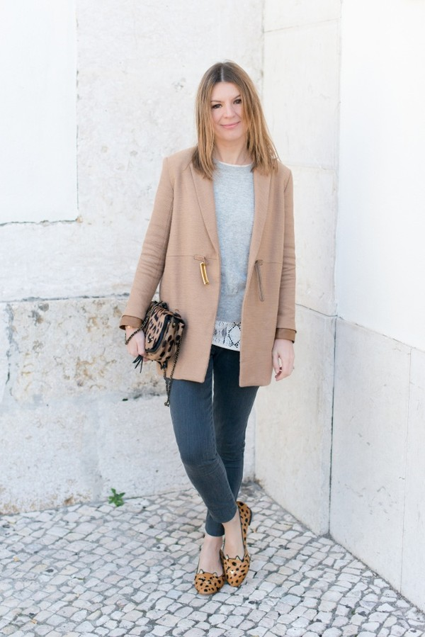 the working girl jeans sweater t-shirt shoes bag coat jewels