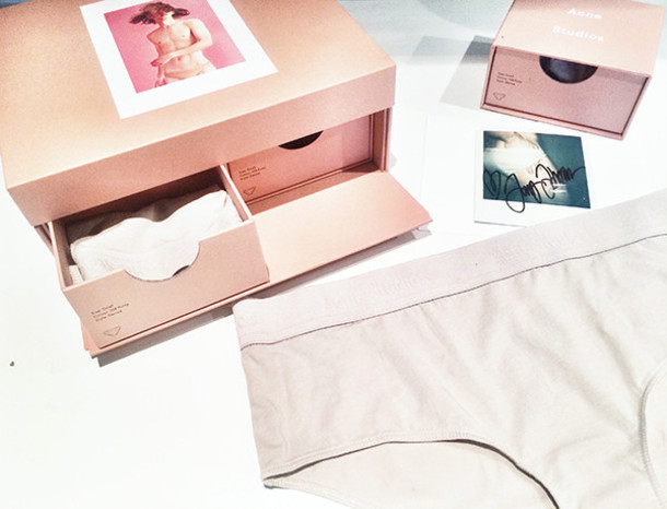 camille over the rainbow blogger underwear jeans jewels