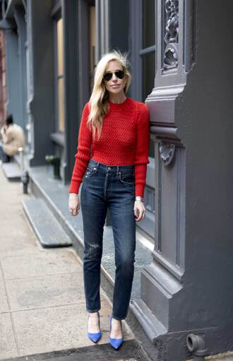 yael steren blogger jeans sweater shoes sunglasses jewels make-up nail polish red sweater high heel pumps blue heels