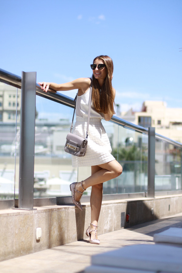 b a r t a b a c top skirt shoes bag sunglasses