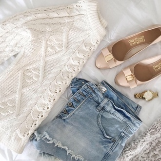 life & messy hair blogger fall outfits cable knit knitted sweater white sweater ballet flats patent shoes ripped shorts gold watch shoes