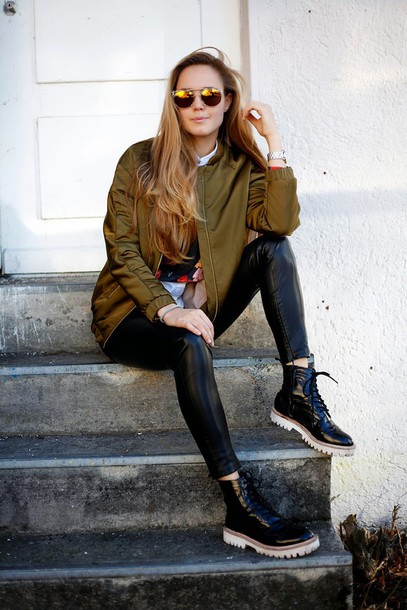 bonsoir cherie blogger mirrored sunglasses army green jacket bomber jacket black shoes cool girl style straight hair blouse shoes