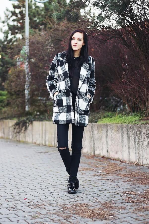 leona meliskova coat jeans shoes shirt