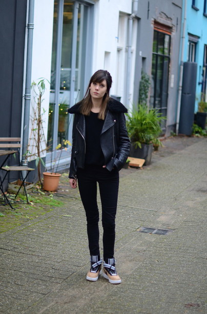lovely by lucy blogger leather jacket black jeans jacket sweater jeans