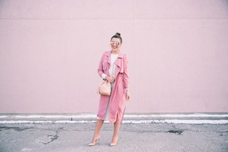 stephanie sterjovski - life + style blogger sweater dress sunglasses bag coat shoes pink coat high heel pumps nude heels bucket bag