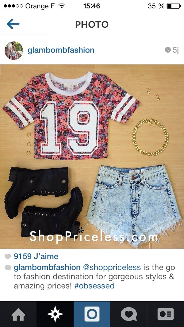 t-shirt shorts jewels shoes