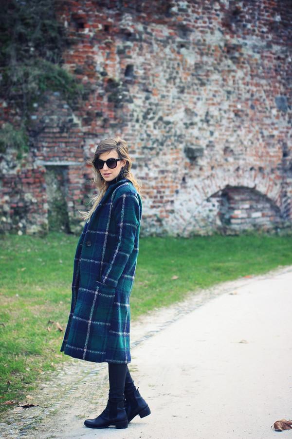 fashion quite coat pants sunglasses jewels shoes
