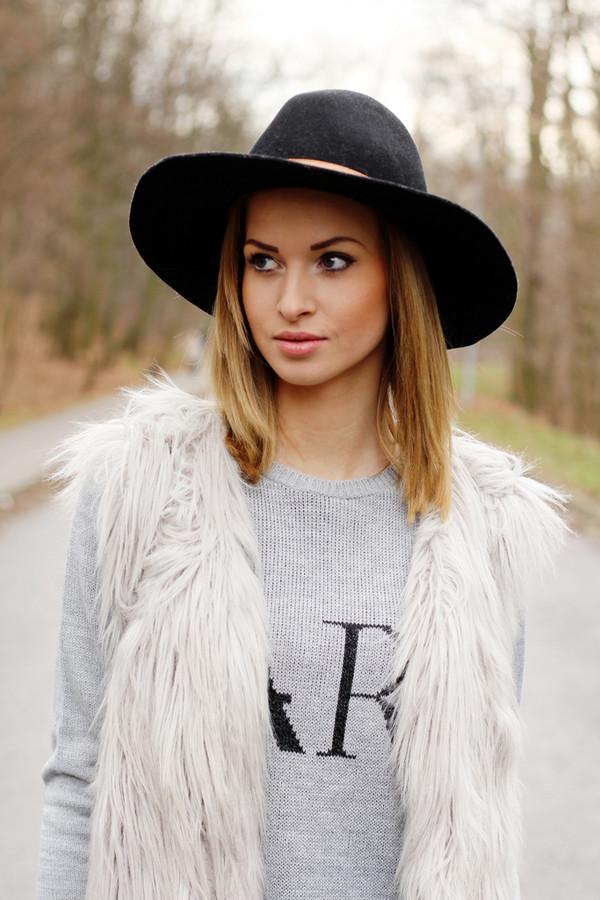 beauty fashion shopping sweater jacket hat pants shoes