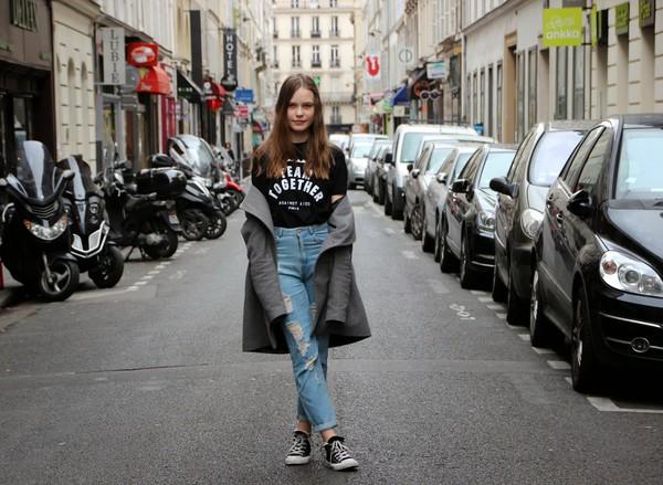 fashion salad t-shirt jeans