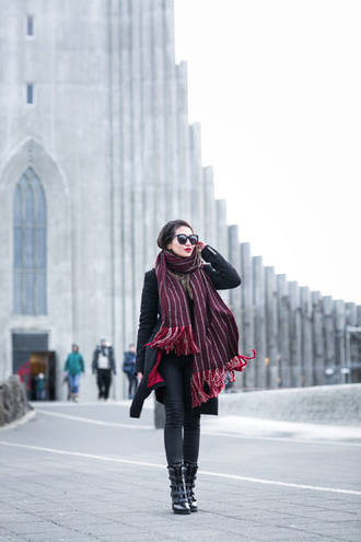 wendy's lookbook blogger top coat jeans tights bag shoes scarf sunglasses jewels boots black coat winter outfits