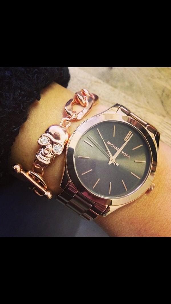 jewels bracelets chain skull bracelet gold watch clock gold watch gold chain gold skull diamonds arm fashion michael kors michael kors teenagers girly