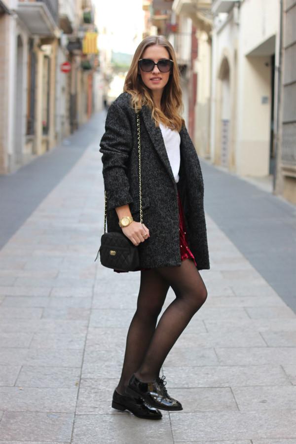 say queen coat t-shirt skirt jewels sunglasses bag shoes
