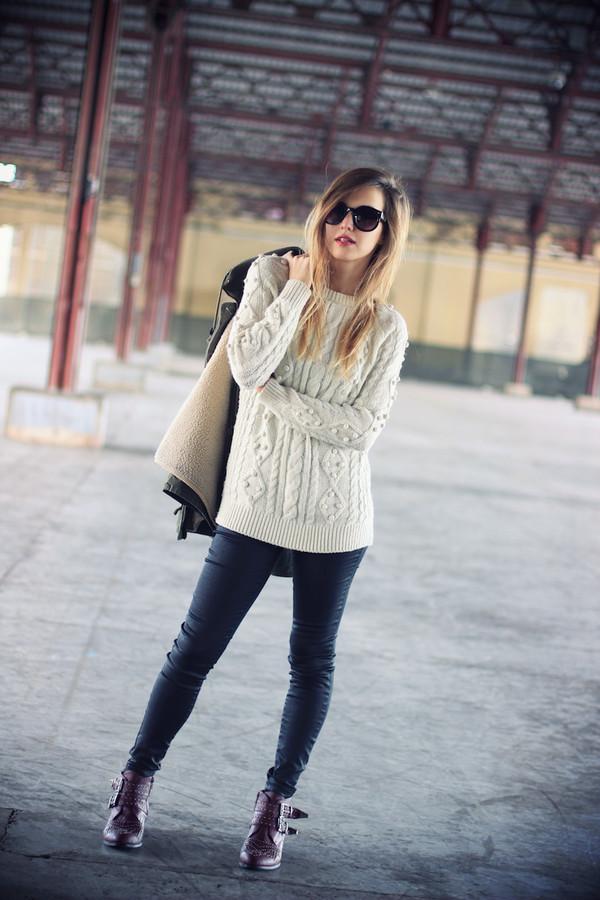 fashion quite coat sweater pants jewels sunglasses shoes