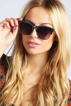 Charlie Metallic Frame Wayfarer Sunglasses at boohoo.com
