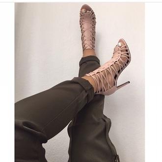 shoes nude heels tumblr high heels cute high heels pants light pink white beige beige heels beige high heels open toes strappy strappy heels sandals beige sandals summer clubwear trendy strappy sandals summer outfits gladiators 887250 tan straps heels with straps nude heels nude high heels