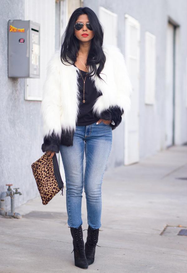 walk in wonderland t-shirt jacket jeans jewels bag shoes