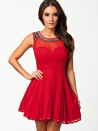 Sweetheart Neckstone Kickout Dress - Ax Paris - Röd - Festklänningar - Kläder - Kvinna - Nelly.com