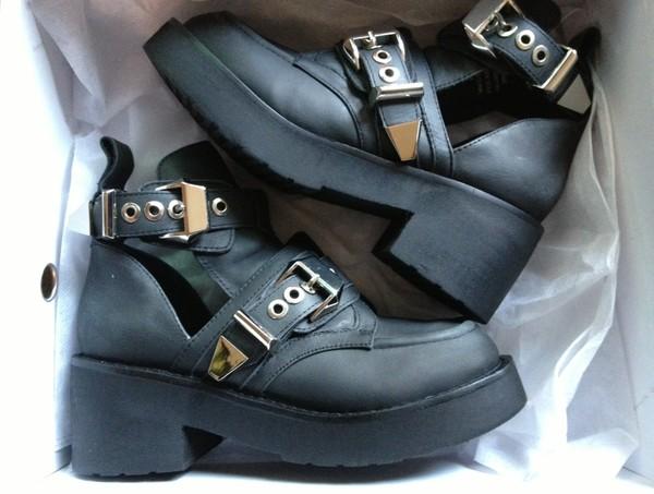 shoes black buckles boots tumblr platform shoes cut out ankle boots buckle boots ankle boots black boots