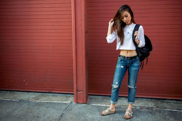 neon blush t-shirt jeans shoes