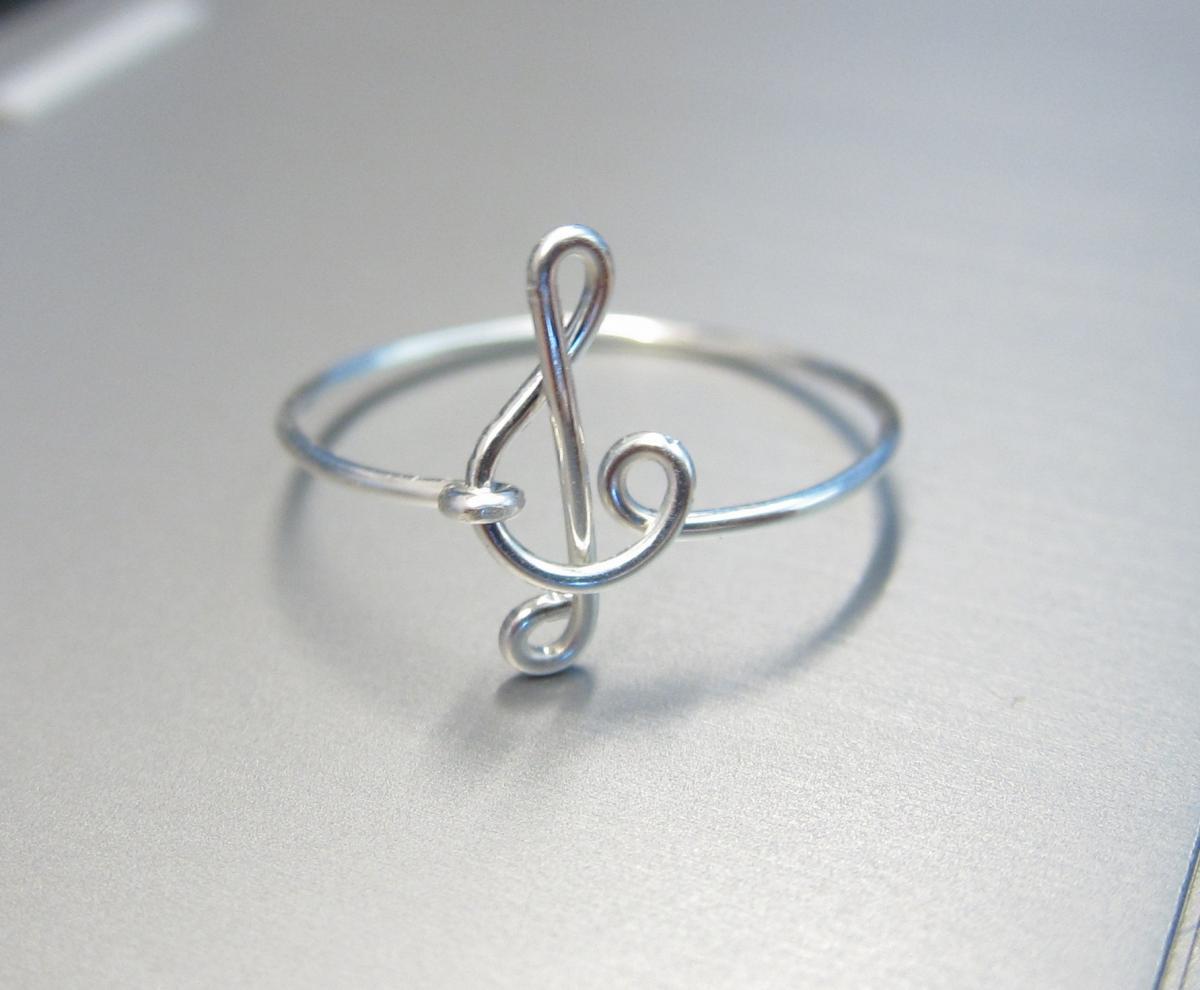 Sterling Silver Treble Clef Ring, WireTreble Clef Ring, Silver Treble Clef Ring, Dainty Ring, Music  on Luulla