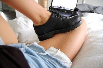 shoes shoes black grunge flat school shoes cleated sole jumpsuit black black shoes tumblr hipster drmartens dms