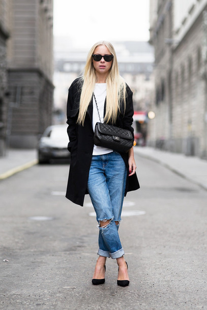 victoria tornegren blogger ripped jeans black coat white t-shirt