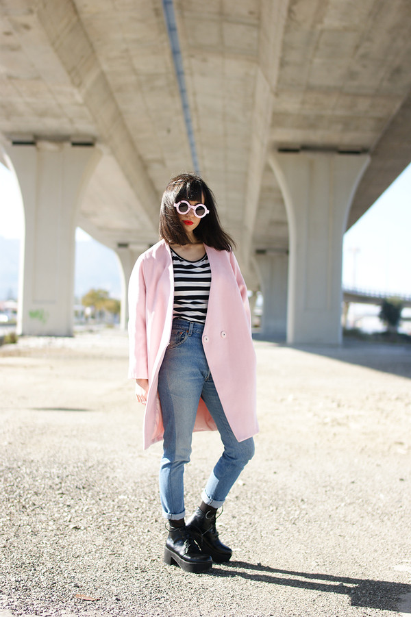vintage shoes for her shoes sunglasses coat t-shirt jewels jeans
