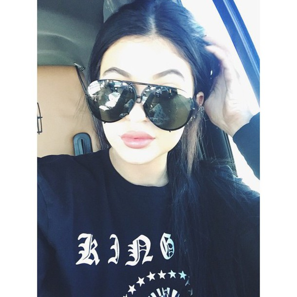 sweater sunglasses kylie jenner