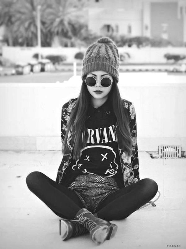 shirt black and white sunglasses vintage hat jacket glasses