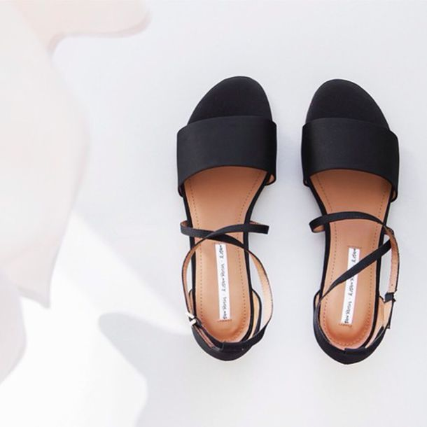 shoes sandals minimalist shoes flats strappy sandals two strap sandals sandals shoes minimalist black flat sandals black sandals black low heel sandals black shoes black flats