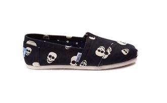 shoes toms skull cute girl girls sneakers punk