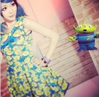 dress clothes print toy story alien disney