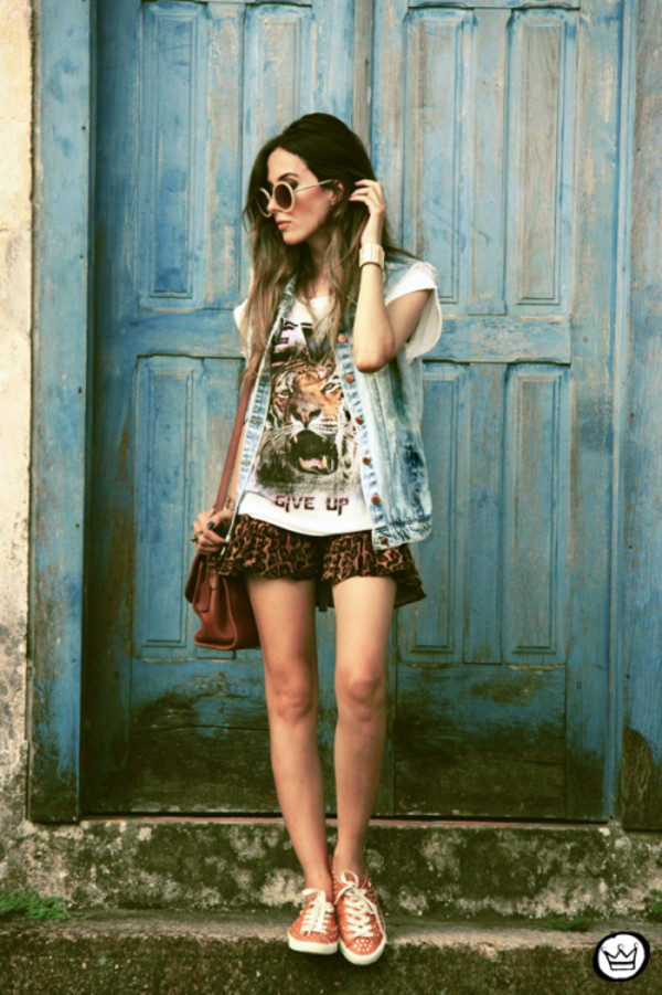 fashion coolture t-shirt jacket skirt bag sunglasses jewels shoes