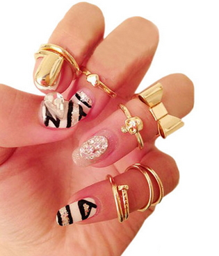 7Pcs Gold Skull Bowknot Heart Nail Simple Band Mid Finger Top Stacking Rings Set - Juicy Wardrobe