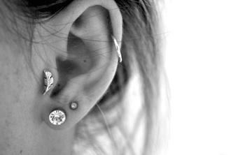 earrings jewels feathers piercing tragus girl plume ear piercings boho hippie stud earrings helix piercing