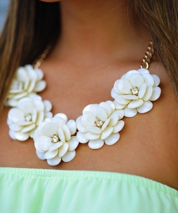 jewels flowers blue white necklace flowers
