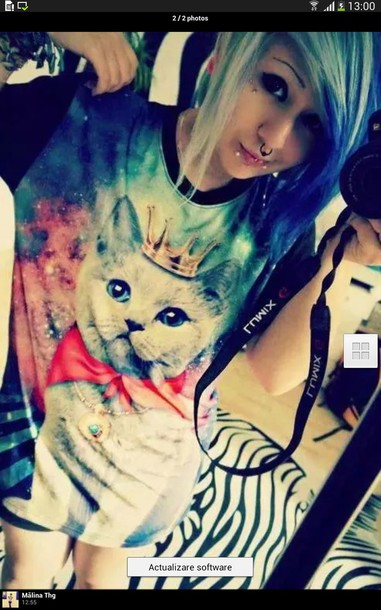 t-shirt cat shirt crown color/pattern colorful grunge alternative emo scene