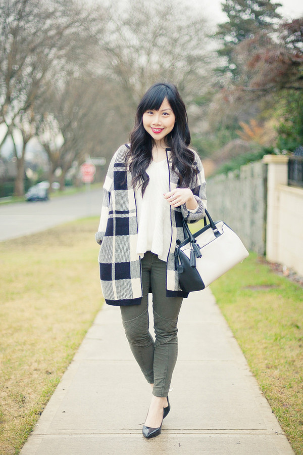 her waise voice jacket sweater pants shoes bag jewels